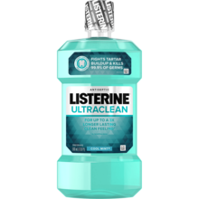 LISTERINE® ULTRACLEAN® mouthwash in cool mint